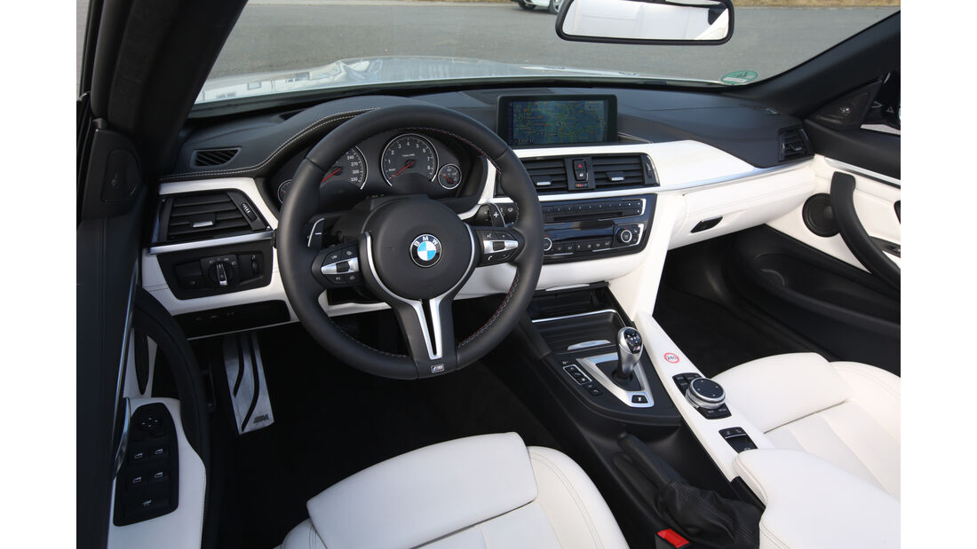 BMW M4 Cabrio, Cockpit