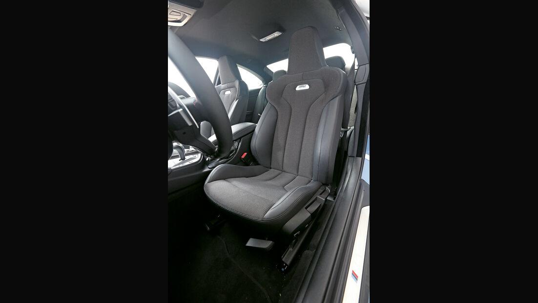 BMW M4 Coupé, Fahrersitz