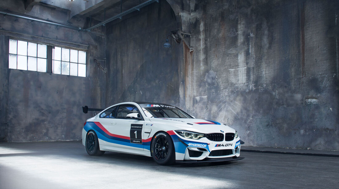 BMW M4 GT4 - Motorsport