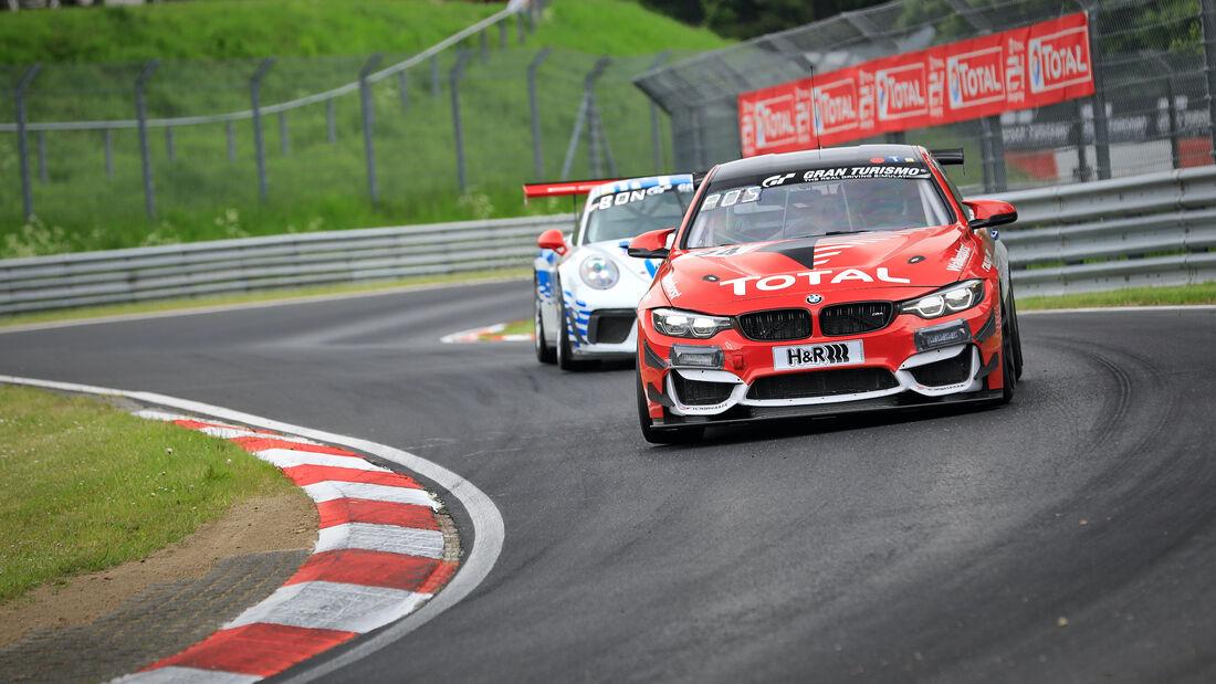 BMW M4 GT4 - Startnummer 74 - 24h Rennen Nürburgring - Nürburgring-Nordschleife - 3. Juni 2021