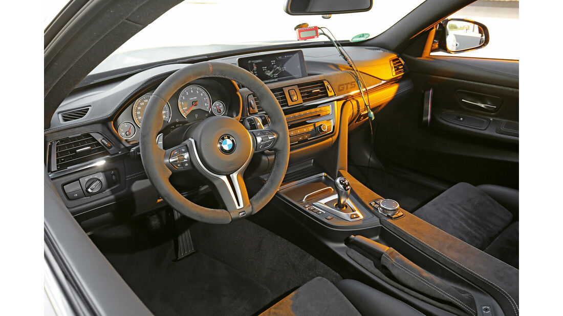 BMW M4 GTS, Cockpit