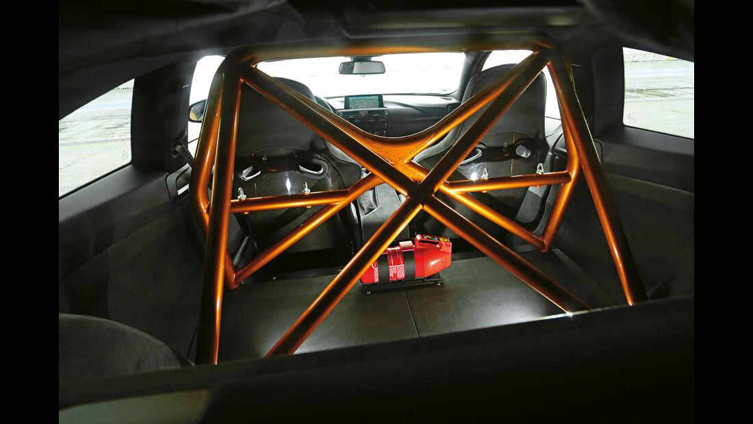 BMW M4 GTS, Sicherheitsgurte
