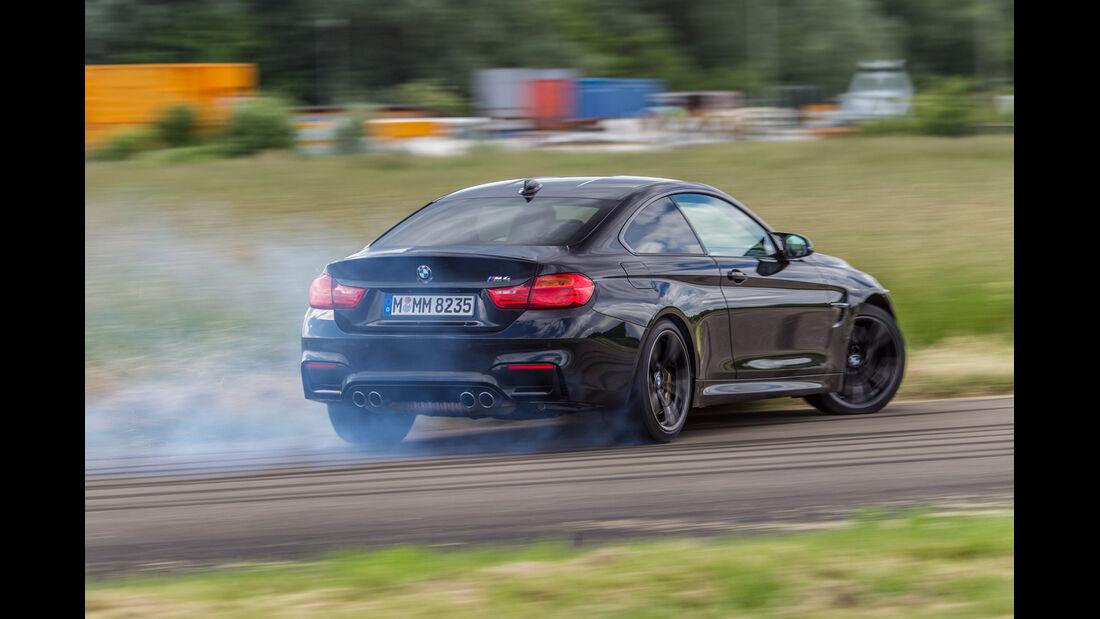 BMW M4, Heckansicht, Driften