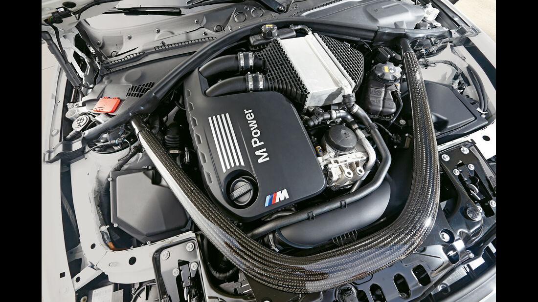 BMW M4, Motor