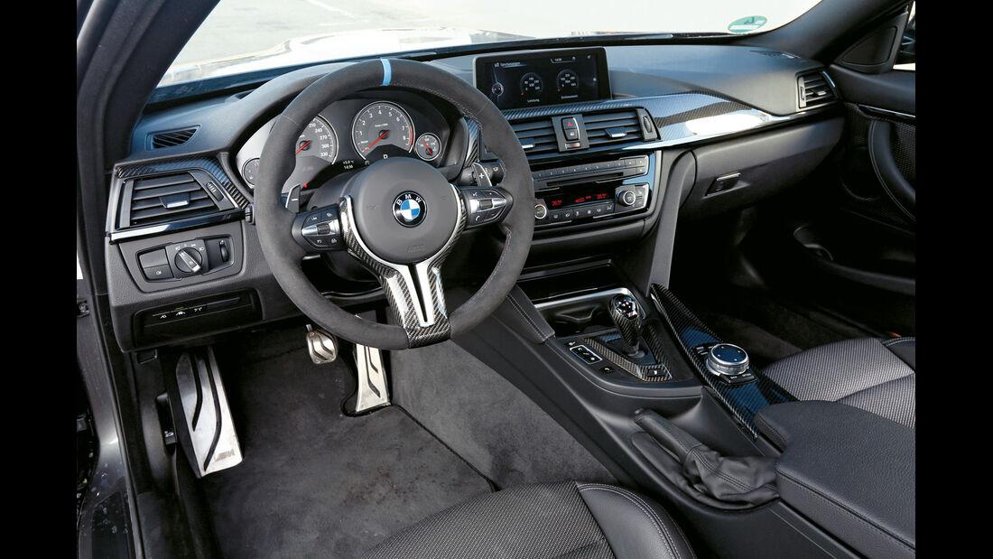 BMW M4 Performance, Cockpit