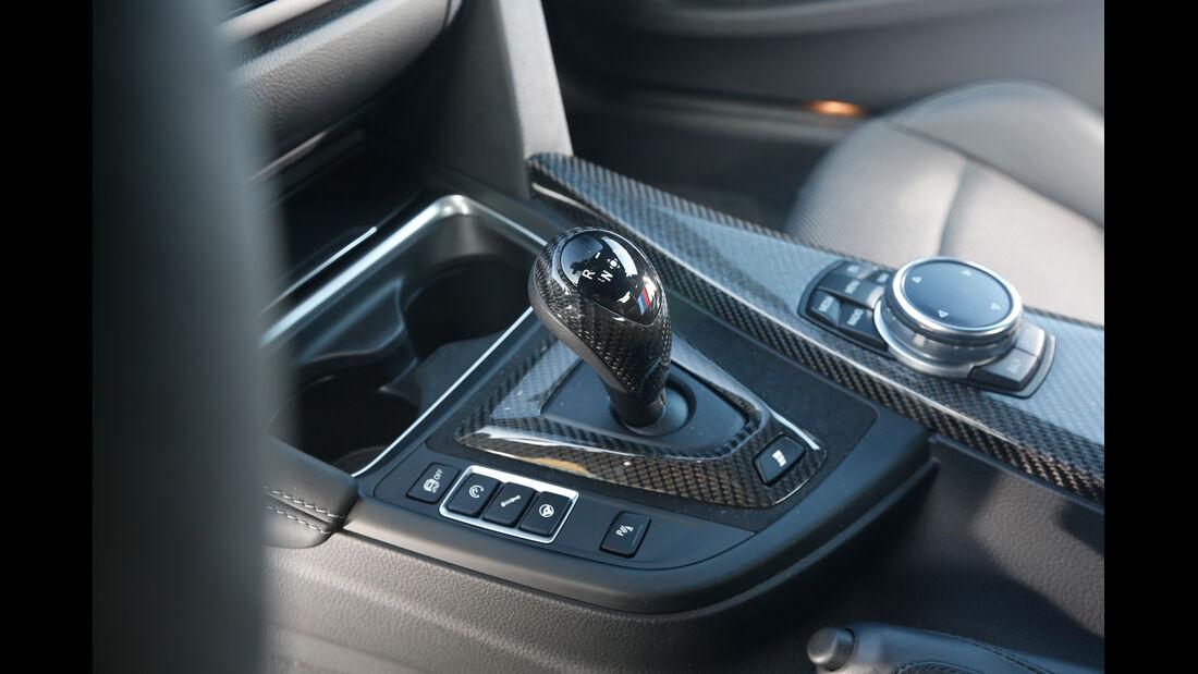 BMW M4 Performance, Mittelkonsole