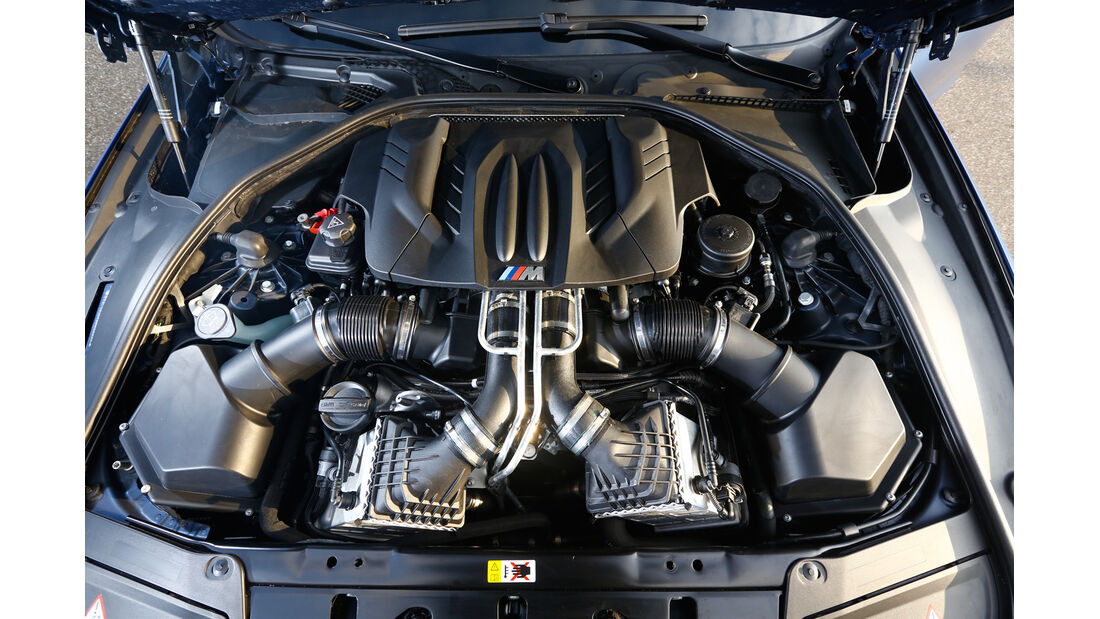 BMW M5 Competition, Motor