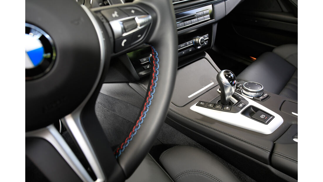 BMW M5 Competition, Schalthebel