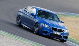 BMW M5 Competition, Seitenansicht, Kurvenfahrt