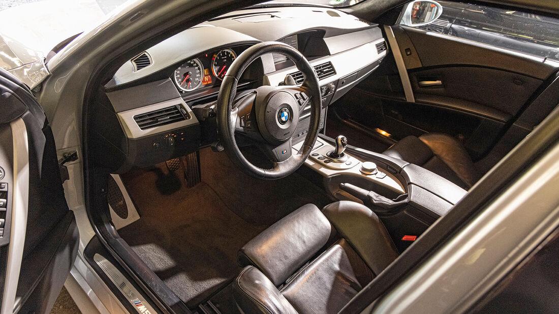 BMW M5 (E60), Interieur