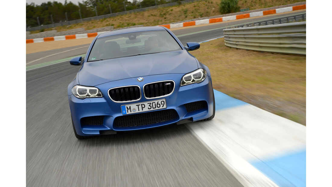 BMW M5 F10 (Competition Paket / 2013)) - Frontansicht