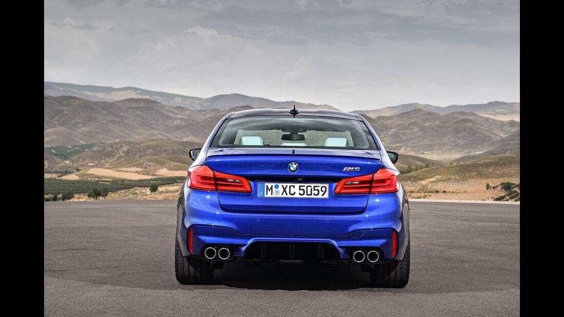 BMW M5 F90 - Business-Limousine - Heckansicht - Diffusor - Endrohre
