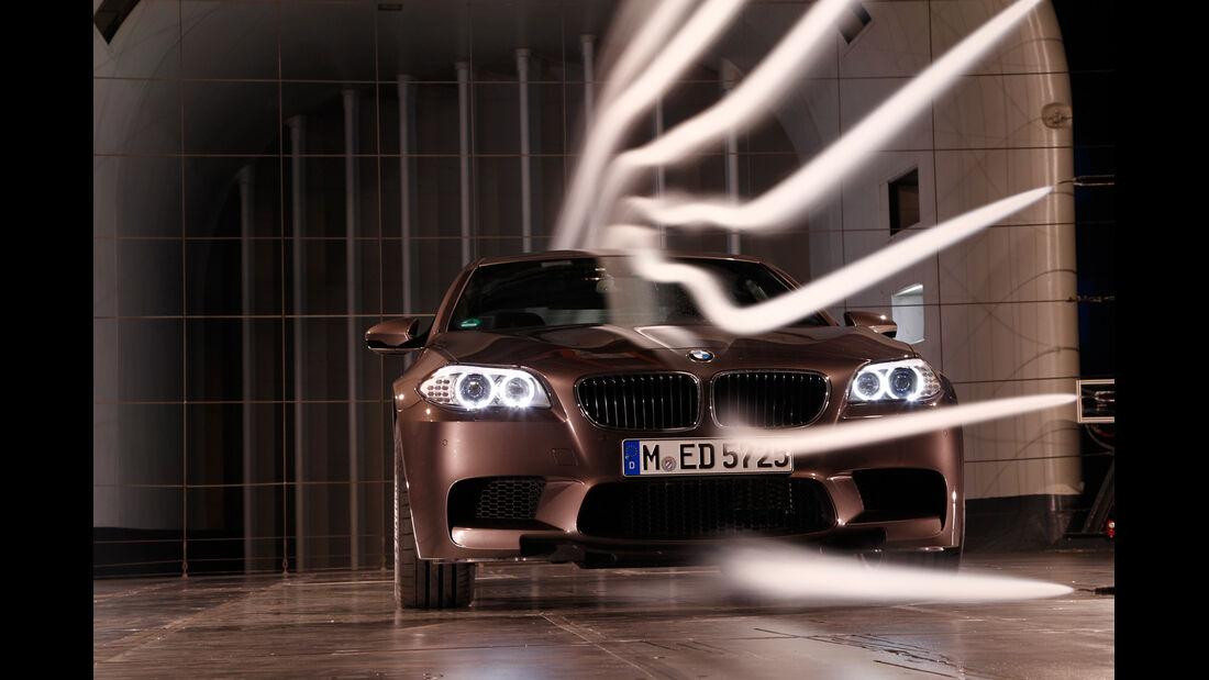 BMW M5, Frontansicht, Windkanal
