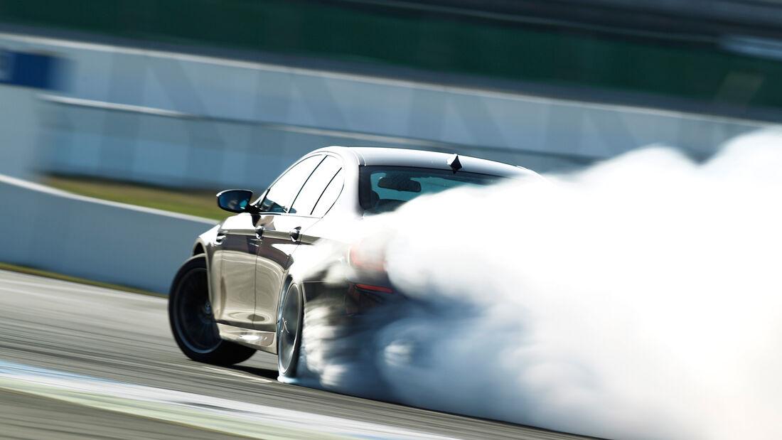 BMW M5, Heckansicht, Burnout