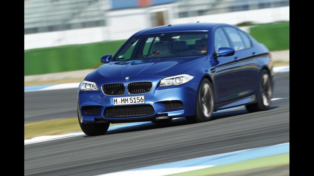 BMW M5, Kurvenfahrt