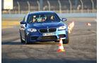 BMW M5, Pylonen, Ausweichtest