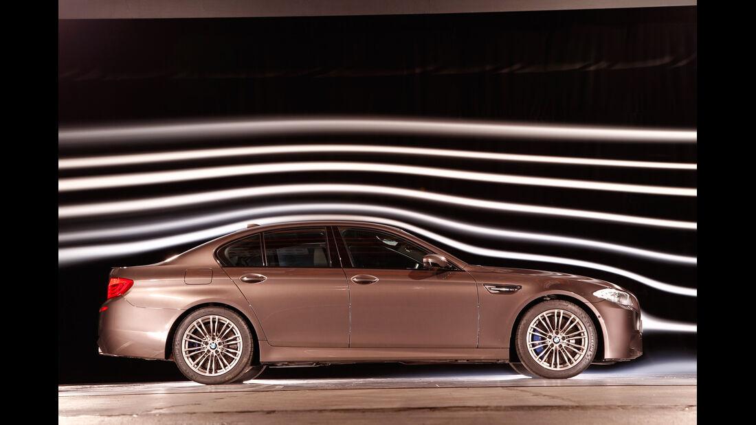 BMW M5, Seitenansicht, Windkanal