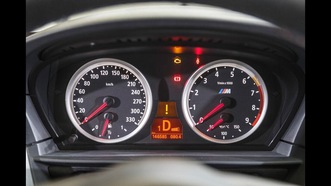 BMW M5 Touring, Anzeigeinstrumente