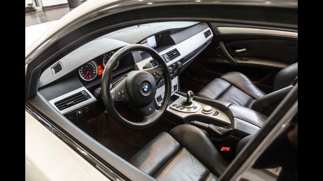 BMW M5 Touring, Cockpit