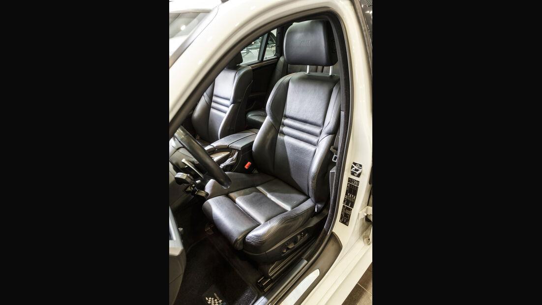 BMW M5 Touring, Fahrersitz