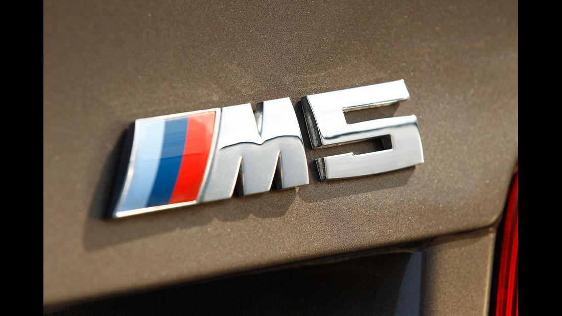 BMW M5, Typenbezeichnung, Emblem