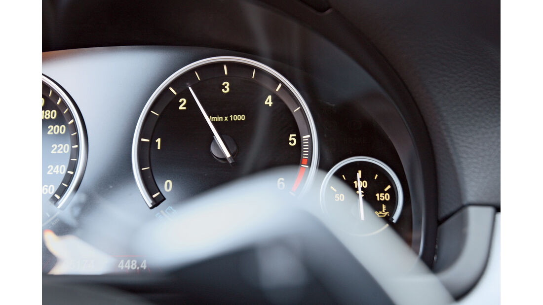 BMW M550d x-Drive, Drehzahlmesser