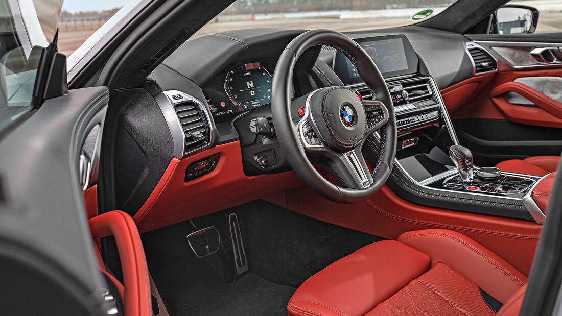 BMW M8 Gran Coupe, Interieur
