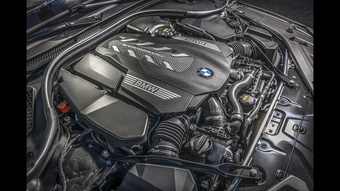 BMW M850i xDrive Cabrio, Motorraum