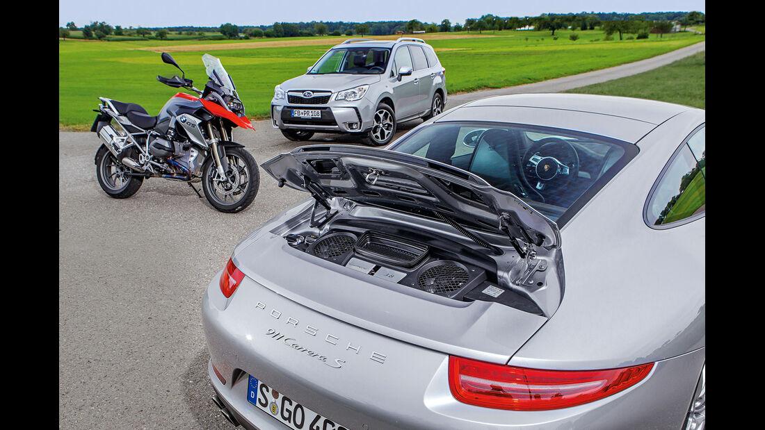 BMW R 1200 GS, Subaru Forester 2.0 D, Porsche 911 Carrera S