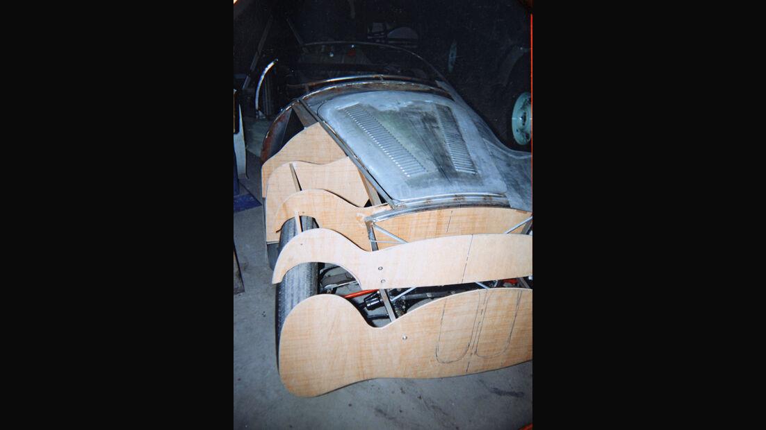 BMW Roadster mit Sonderkarosserie, Querspanten