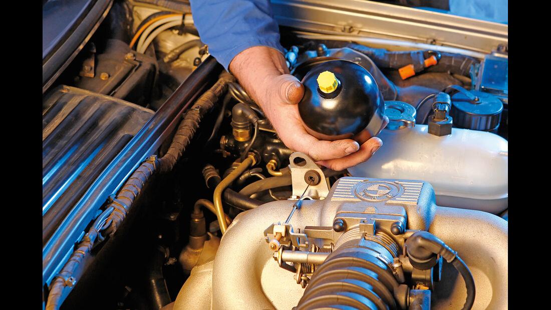 BMW Sechser-Reihe (E24), Hydraulischer Bremskraftverstärker