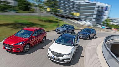 BMW X1 25e, Ford Kuga PHEV, Opel Grandland X Hybrid, Volvo XC40 T5 Recharge, Vergleichstest