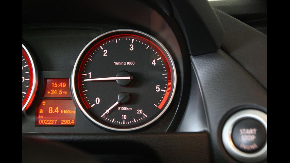 BMW X1 s-Drive 18d, Drehzahlmesser