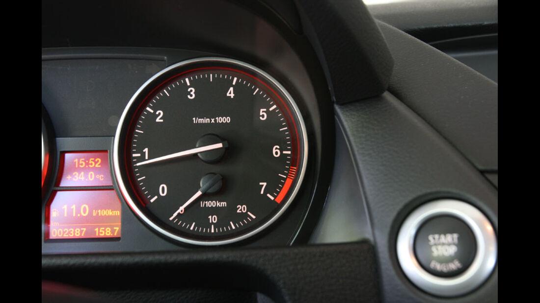 BMW X1 s-Drive 18i, Drehzahlmesser
