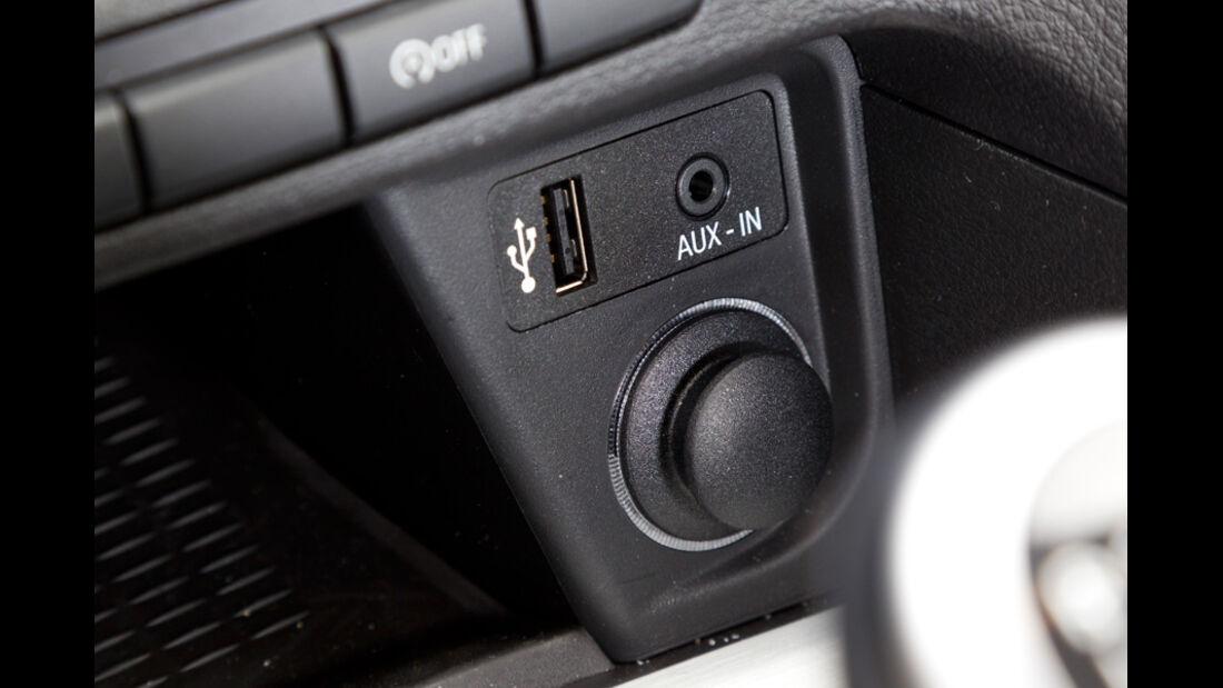 BMW X1 s-Drive 20d, Aux-In Anschluss, Detail