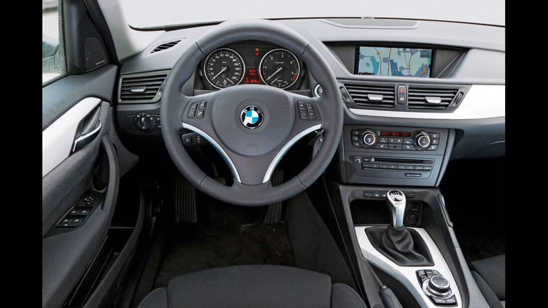 BMW X1 s-Drive 20d, Lenkrad, Cockpit