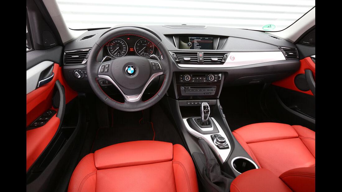 BMW X1 x-Drive 28i, Cockpit, Lenkrad