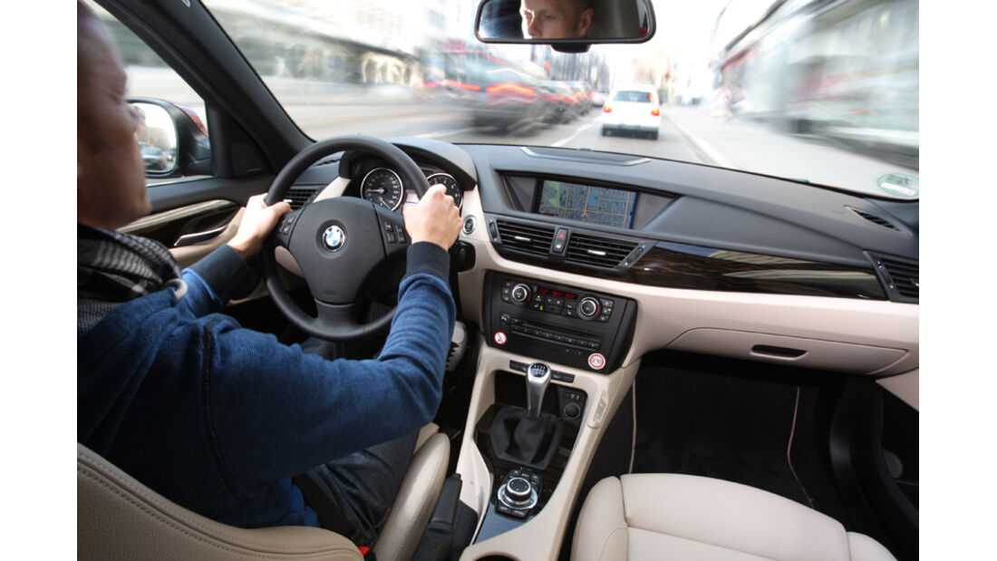 BMW X1 x-Drive 28i, Lenkraum