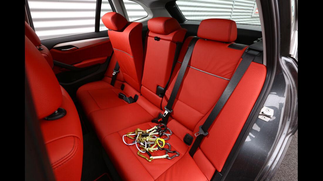 BMW X1 x-Drive 28i, Rücksitze, Umklappen
