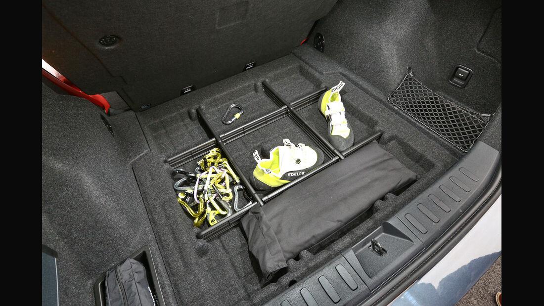 BMW X1 x-Drive 28i, Stauraum