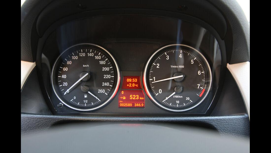 BMW X1 x-Drive 28i, Tacho