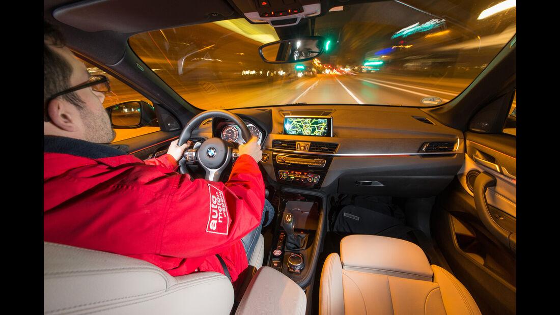 BMW X1 xDrive 20d, Cockpit, Fahrersicht
