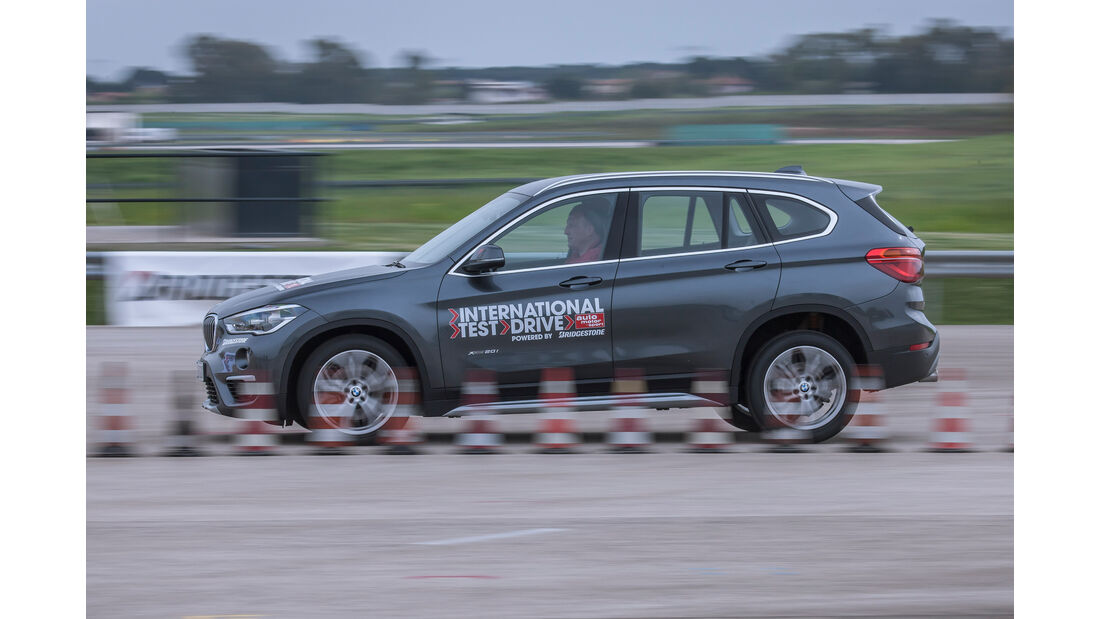 BMW X1 xDrive 20i xLine, Seitenansicht