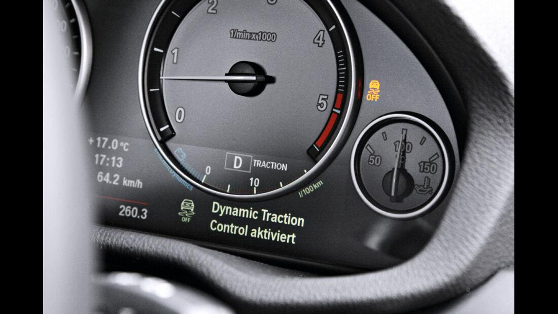 BMW X3 x-Drive 30d, Anzeigeinstrumente