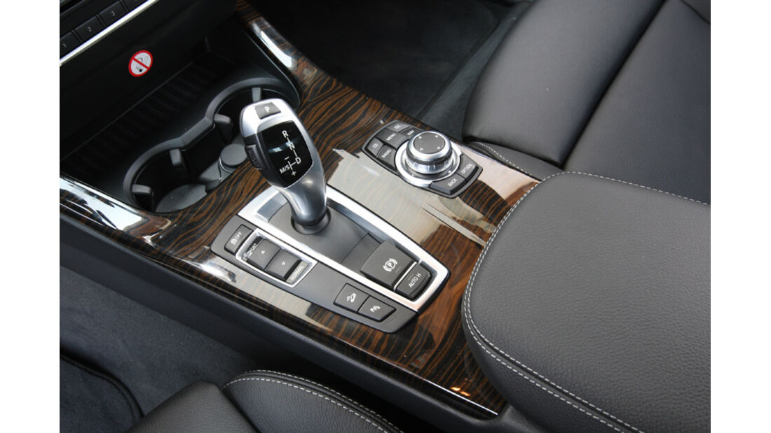 BMW X3 x-Drive 30d, Mittelkonsole, Schalthebel, Schaltknauf, Detail