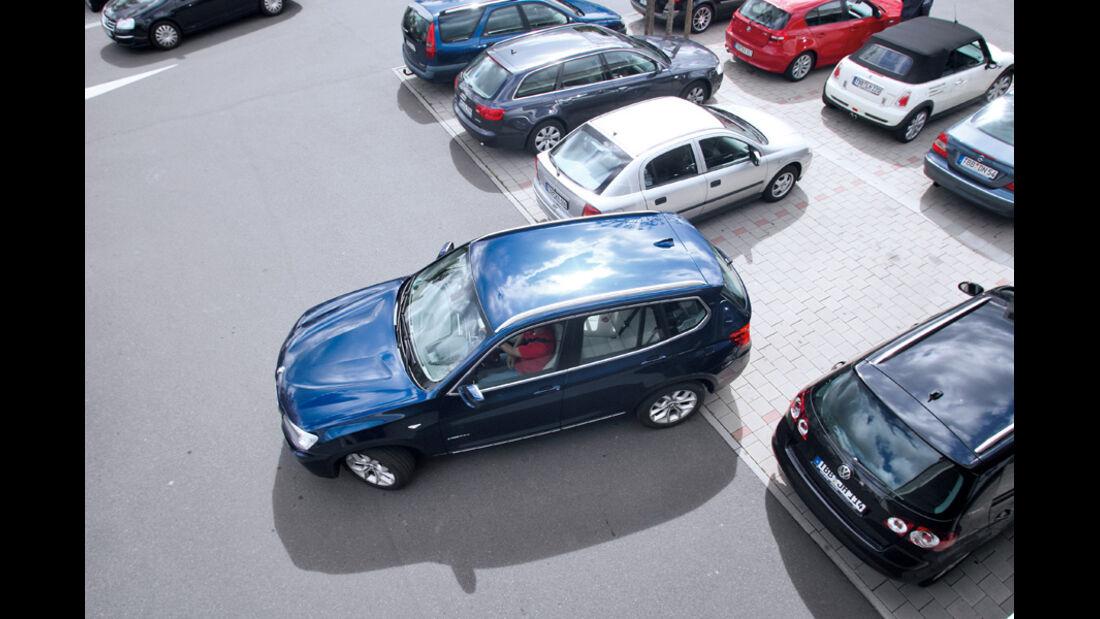 BMW X3 x-Drive 30d, von oben, Einparken