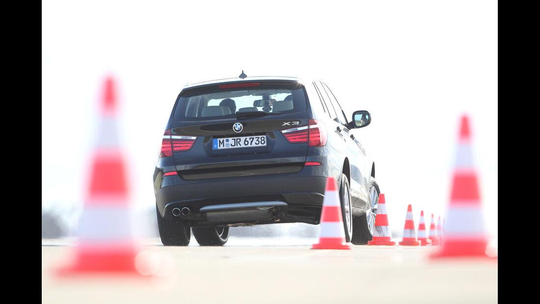 BMW X3 x-Drive 35d, Heck, Slalom