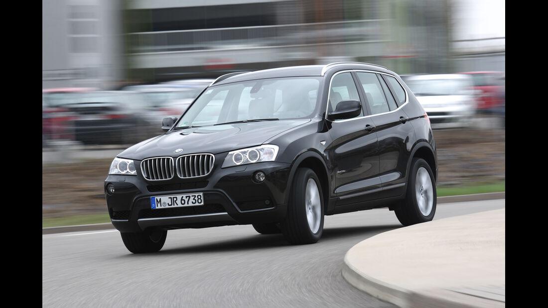 BMW X3 x-Drive 35d, Seitenansicht, Kurvenfahrt
