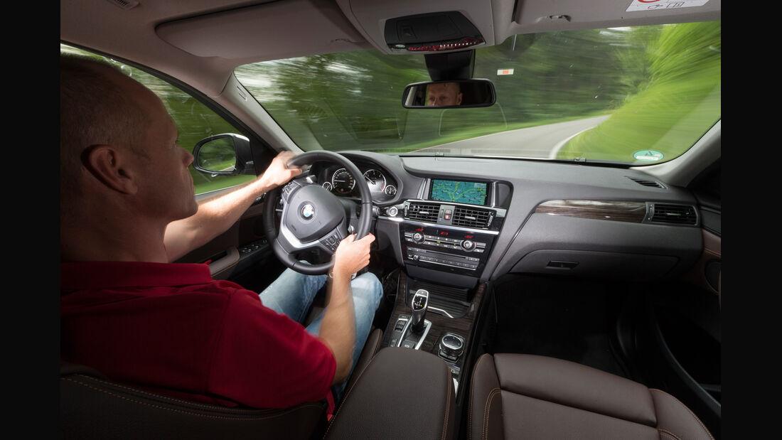 BMW X4 xDrive 35d, Cockpit, Fahrersicht