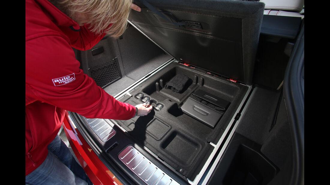 BMW X4 xDrive 35i, Ladeboden, Staufächer